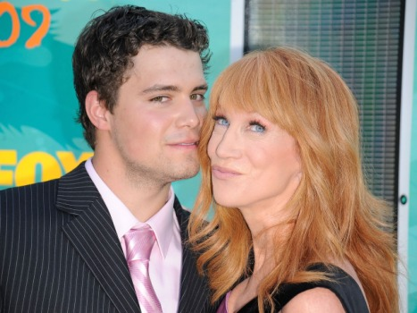 "Kathy Griffin and Levi Johnston Crash ""Sarah Palin's Alaska"""