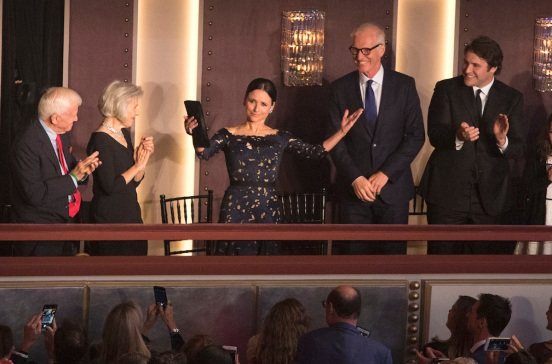 Julia Louis-Dreyfus Gets Career Achievement Award for Comedy