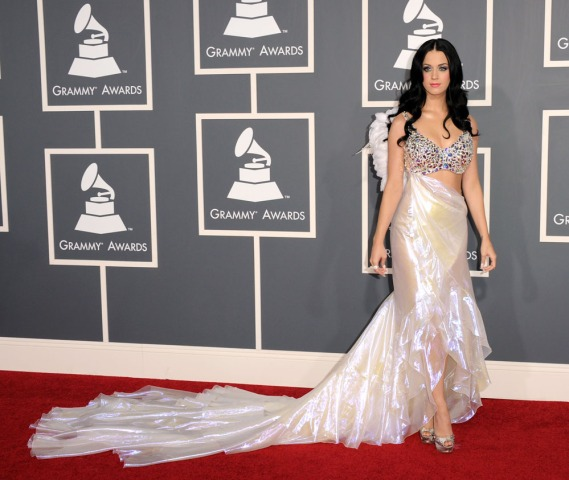 Wild, Glittery, Over-the-Top Fashion at the Grammys