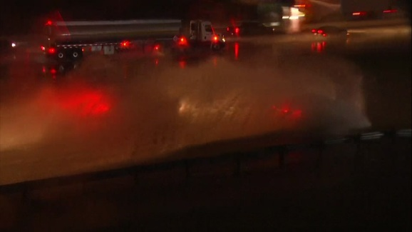 Raw Cars Plow Through Flooded Highway Exit Nbc 5 Dallas Fort Worth