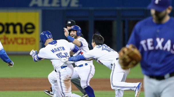 Blue Jays Beat Rangers 4-3 on 9th Inning Single