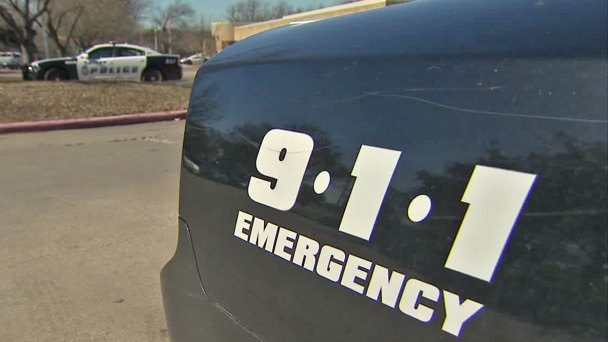 911 Callers Waited While DPD Officers Studied