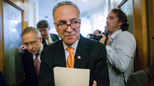 Harry Reid Backs Chuck Schumer for Senate Minority Leader