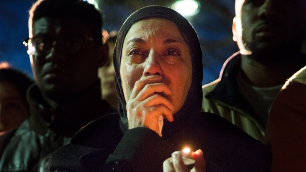 [NATL] Thousands Gather at Vigil for Slain Muslim Students