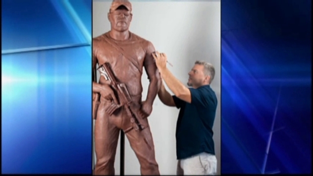 [DFW] NBC DFW Exclusive: Artist Creates Clay Statue of Chris Kyle