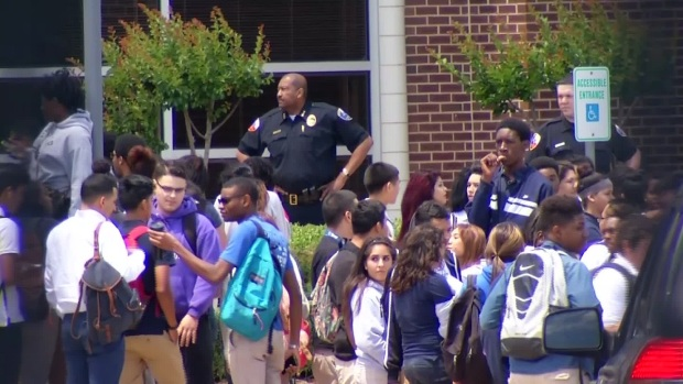 [DFW] More Than 160 Students Suspended for Dress Code Violations