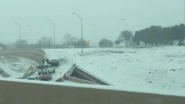 Cars stuck in bridge