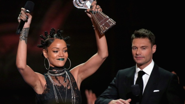 [NATL] 2014 iHeartRadio Music Awards: Best Moments