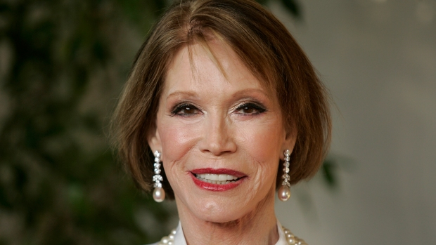 Mary Tyler Moore: A Life in Photos