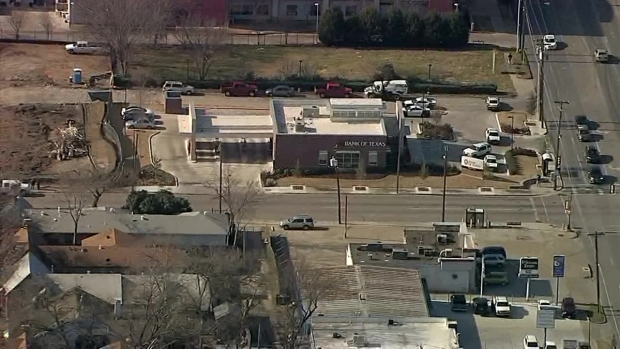 Police: Dallas Police Called to bank Robbery