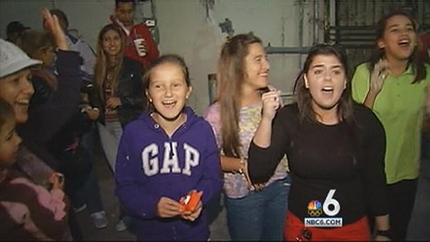 "[MI] Justin Bieber Arrest Aftermath: ""Beliebers"" Keep the Faith in Miami Beach"