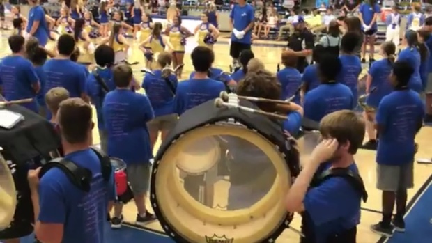 [DFW] When Sound System Fails, Pep Rally Turns Into Anthem Sing-Along