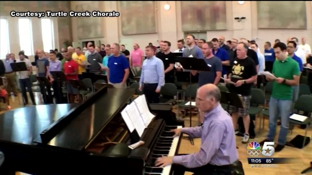 [DFW]Dallas LGBT Community Heals Through Song