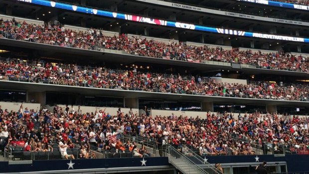 [DFW] Thousands of Soccer Fans Fill AT&T Stadium