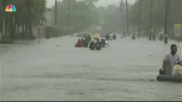 [NATL] 'Unprecedented Flooding' Hammers Houston