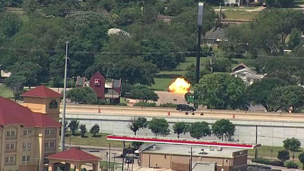 Chopper 5 Captures Two Explosions During Standoff in Hutchins