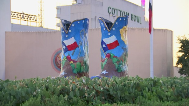 Big Tex Shows Off New Boots, New Clothes to Debut