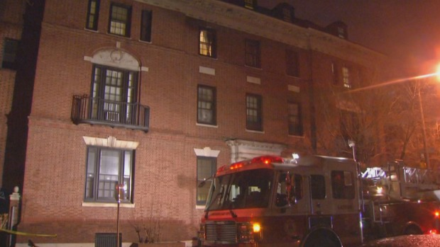 [PHI] 3 Hurt After Fire Escape Collapses