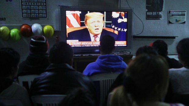 [NATL] Migrants React to Trump's Prime-Time Push for Border Wall