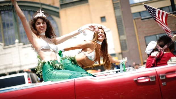 [NATL-NY] Mermaids Come Out of Their Shells for Coney Island Parade