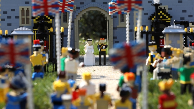 [NATL] See Prince Harry and Meghan Markle's Wedding Built With Legos