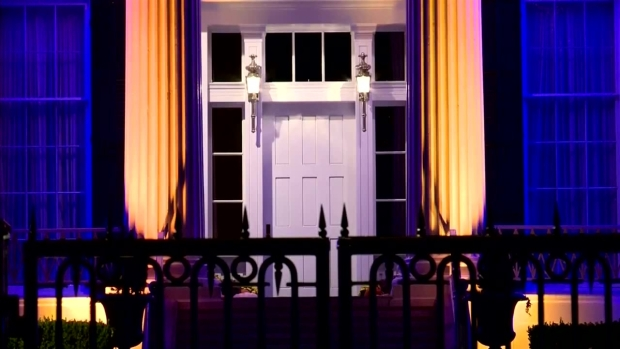 [DFW] Governor's Mansion Turns Orange and Blue for Astros
