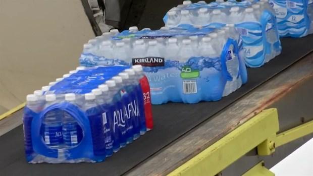 [DFW] JJ Barea Loads More Supplies For Puerto Rico