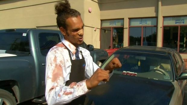 [DFW] San Antonio IHOP Waiter Fights Off Robber
