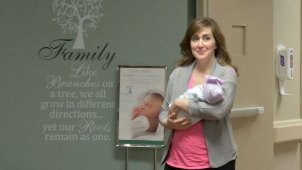 [NATL] Pregnant Doctor Helps Deliver Baby Minutes Before Her Labor