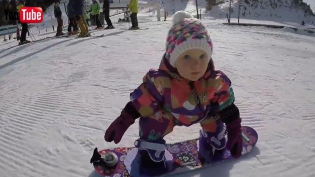[DFW] Tiny Snowboarder Tears Up the Slopes
