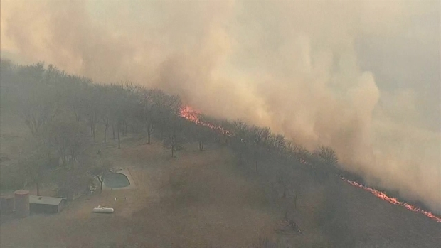 Raw Video: Parker County Brush Fire Prompts Evacuations