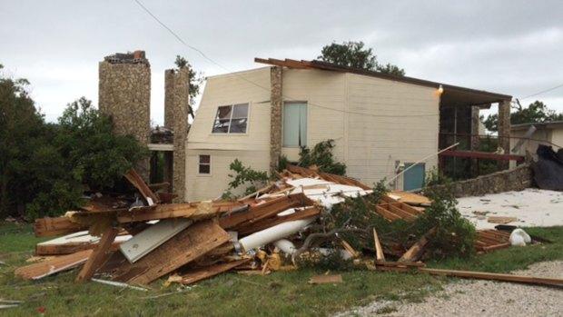 [DFW] Tornadoes Damage Homes in Runaway Bay