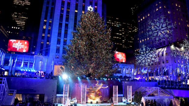 [NATL] In Photos: Rockefeller Center's 85th Annual Christmas Tree Lighting Ceremony