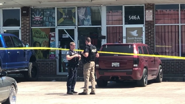Raw: 3 Injured in Shooting in Fort Worth