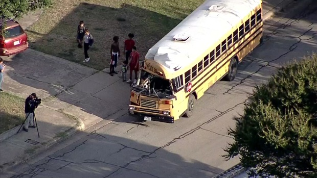 [DFW] RAW: Several Injured in Fort Worth School Bus Crash