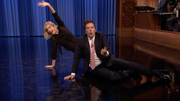 [NATL]'Tonight': Dance Battle With Charlize Theron