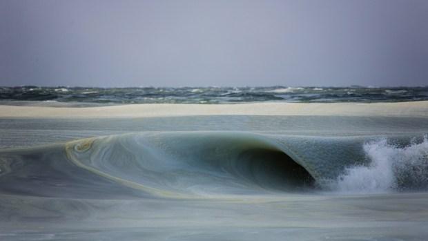 [PHOTOS] Winter Slurpee Waves Crash Down on Beach