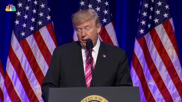 [NATL] Trump Hails Civil Rights Heroes at Mississippi Museum