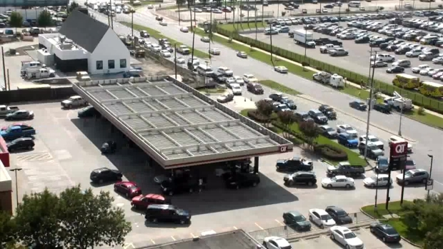 [NATL-DFW] Video Shows Time-Lapse of Long Gas Station Lines