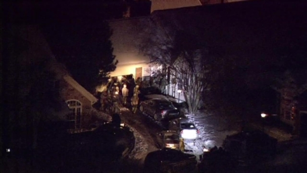 [CHI] Officers Swarm Arlington Heights Townhome