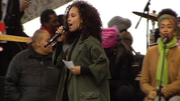 [NATL] Alicia Keys Speaks at DC Women's Rally: 'I Rise'