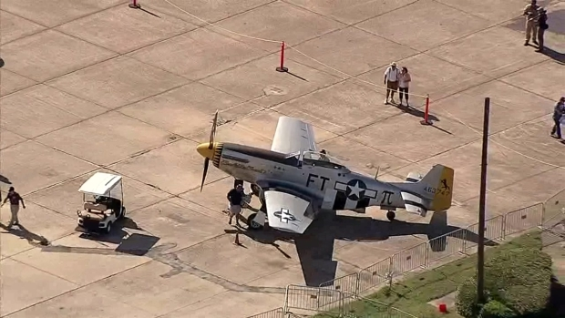 [DFW] Planes Arrive for Wings Over Dallas (Raw Video)
