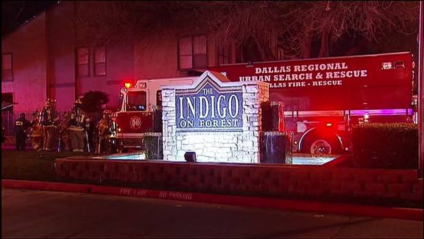 [DFW] Firefighter Injured After 3-Alarm Fire in Dallas