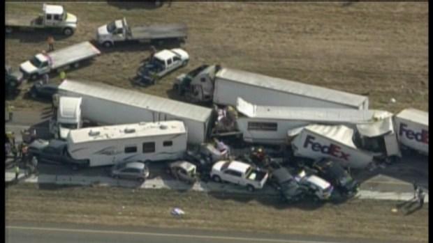 [DFW] RAW VIDEO: 100+ vehicle pileup along I-20 near Beaumont