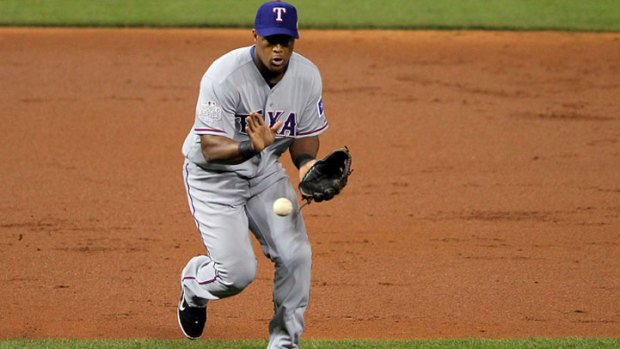 Beltre Runs Away With Gold Glove
