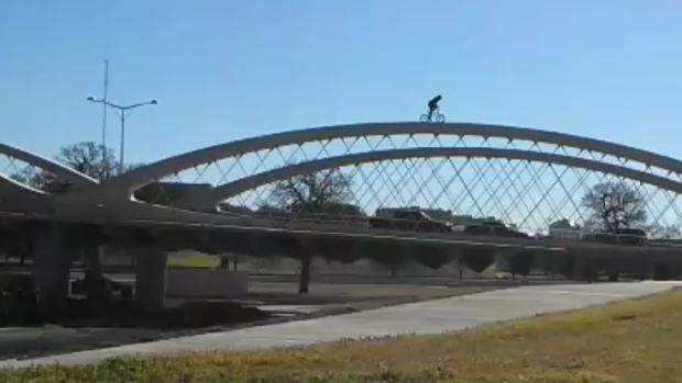 [DFW] RAW VIDEO: Pro BMX Rider Pulls Stunt on Fort Worth's 7th Street Bridge