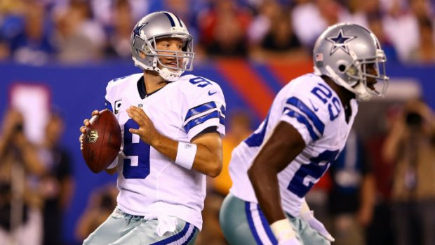 Cowboys Lead Giants At Half, 7-3