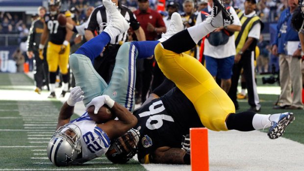 Cowboys & Steelers Tied At Half, 10-10