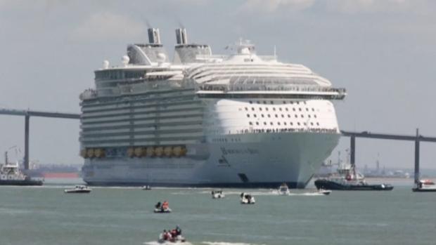 [NATL] World's Largest Cruise Ship Sets Sail From France
