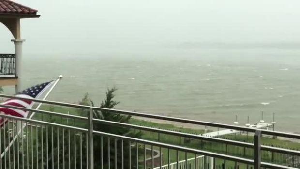 Lake Lewisville looks like a scary ocean